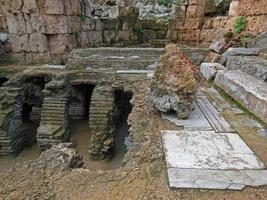 romerska bad i forntida staden perge foto
