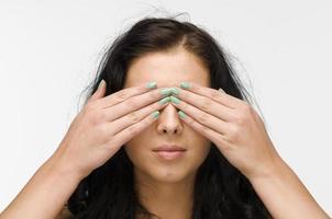 slutna ögon svart hår foto