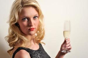 höja champagne foto