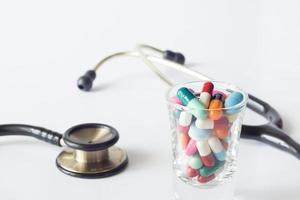 färgglada piller foto