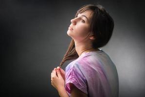 porträtt av melankolisk flicka foto