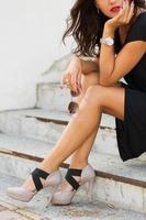 snygg ung kvinna foto
