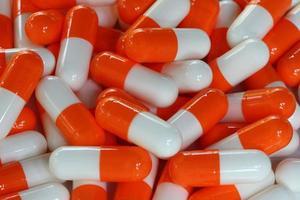 färgglada medicinska piller foto