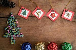 gammal träbakgrund för tappninggåva, julkoncept foto