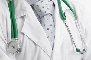läkare med stetoskop foto