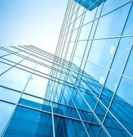 blå glas höghus företagsbyggnad