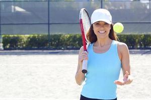 sportig kvinna redo för ett spel foto