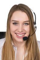 ung kvinna med headset foto
