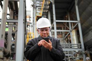 ingenjör oljeraffinaderi foto