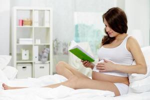 förbereder sig för förlossning foto