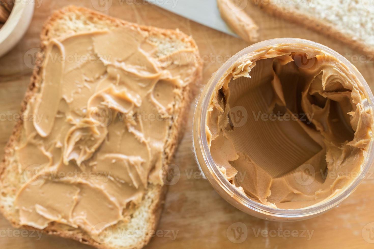 broodje met pindakaas foto