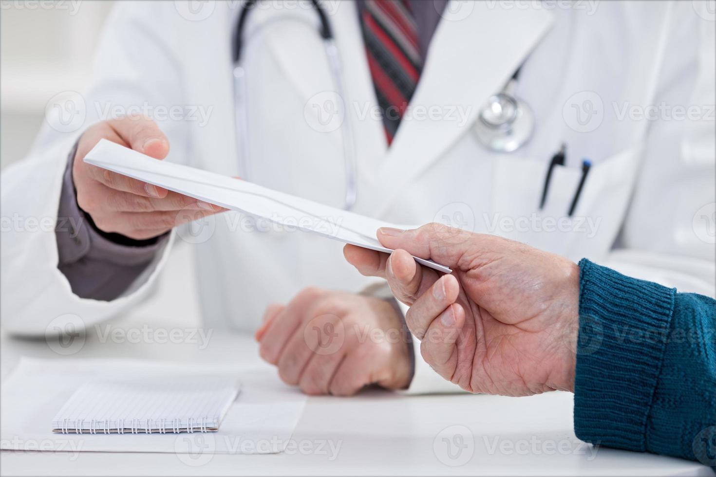 corruptie op medisch kantoor foto
