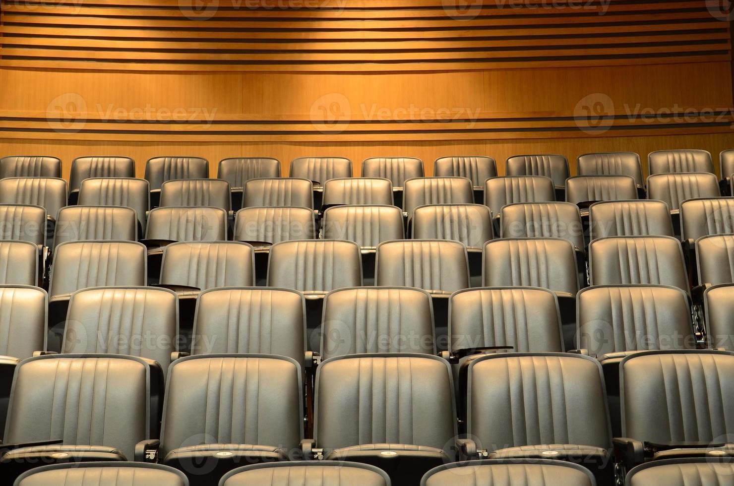 zitplaatsen in collegezaal / congreszaal foto
