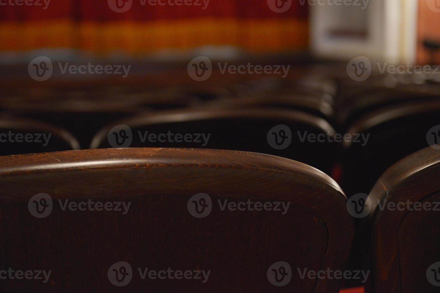 zitplaatsen in een theater en opera foto