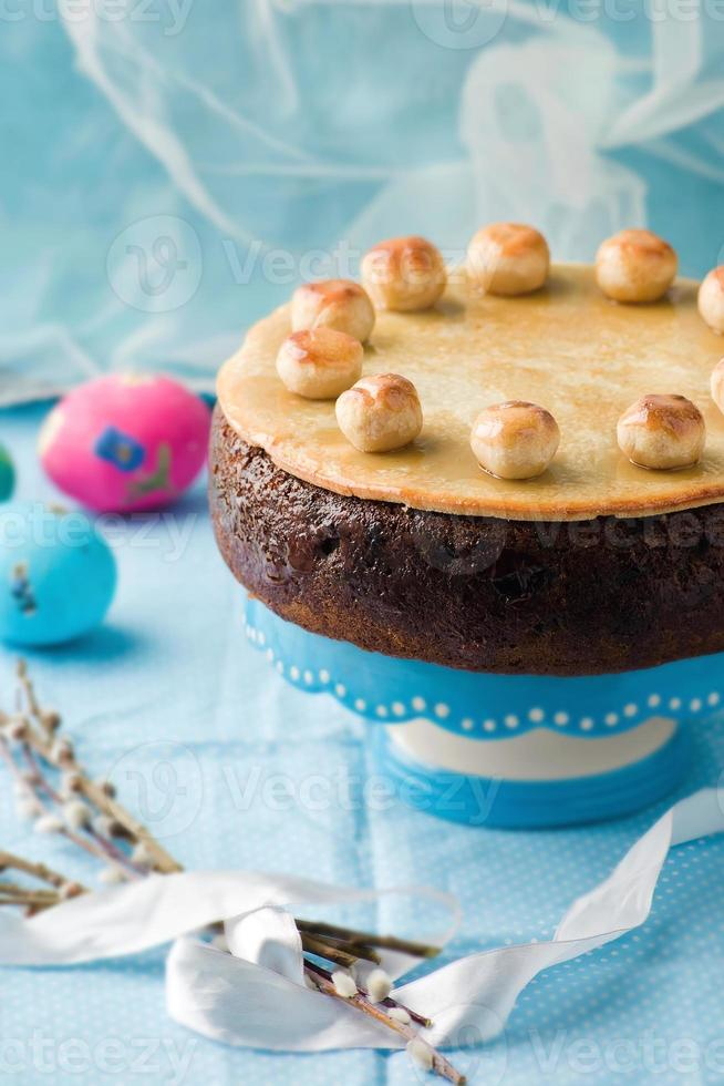 Simnel cake. traditionele Engelse Pasen cake met marsepein. foto