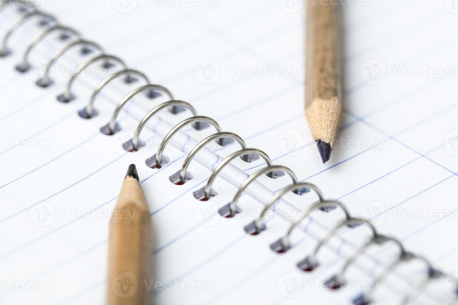 twee eenvoudige potlood foto
