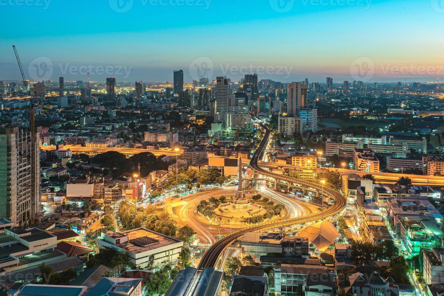 overwinningsmonument in het centrum van bangkok, thailand foto