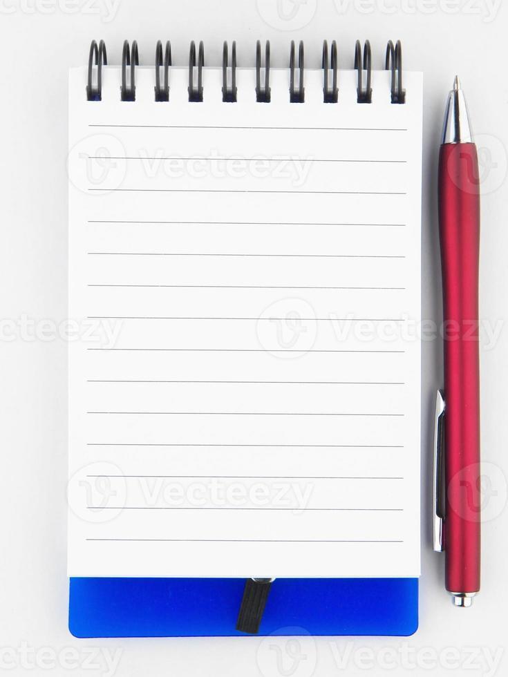 notitie papier met pen foto