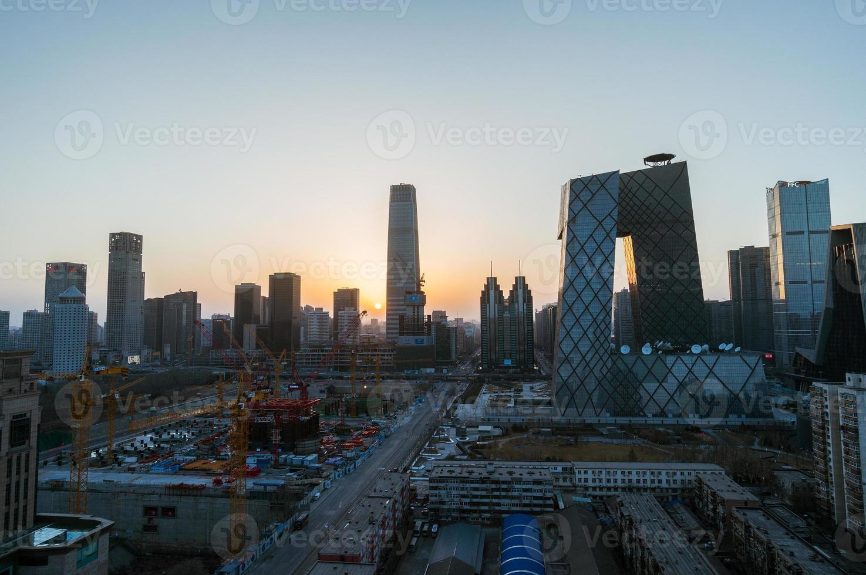 schemering stedelijke skyline van Peking, de hoofdstad van China foto