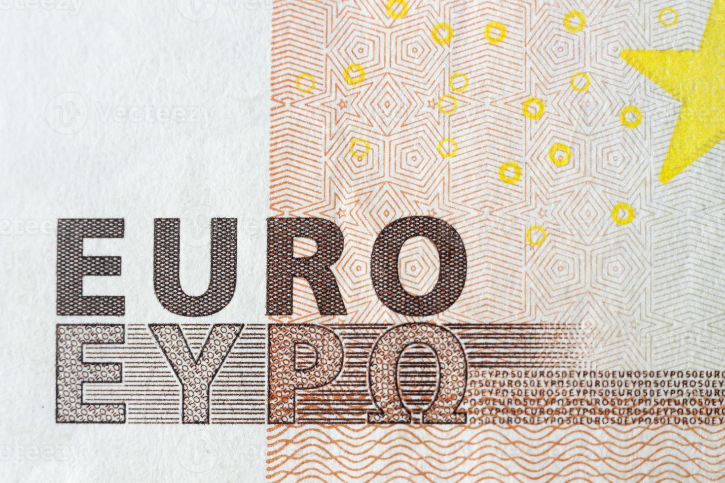 eurobankbiljetten, gedetailleerde tekst op een nieuwe vijftig eurobankbiljetten foto
