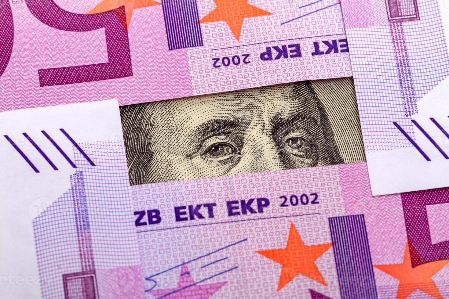 ogen benjamin franklin en euro foto