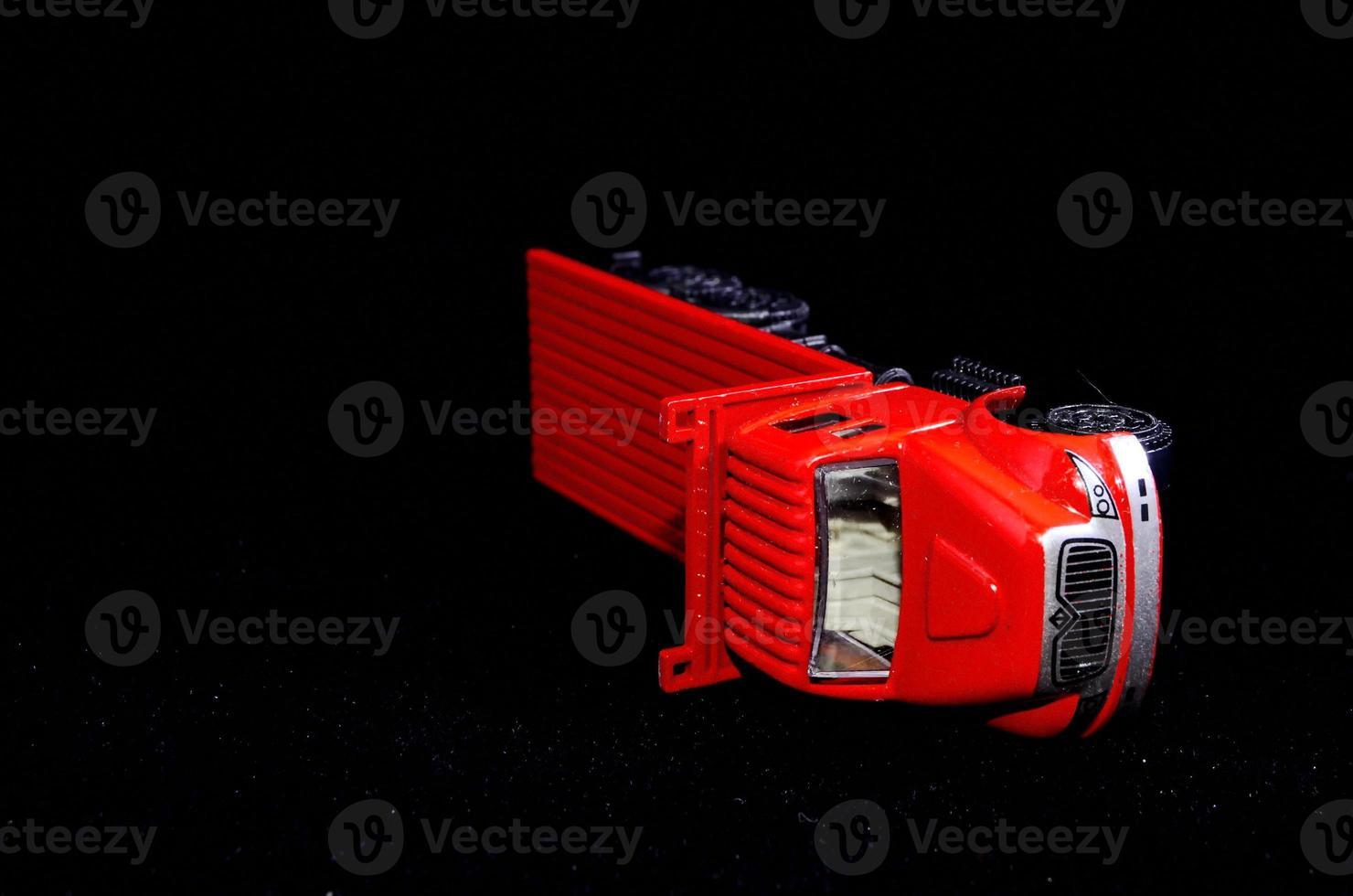 rode vrachtwagen foto