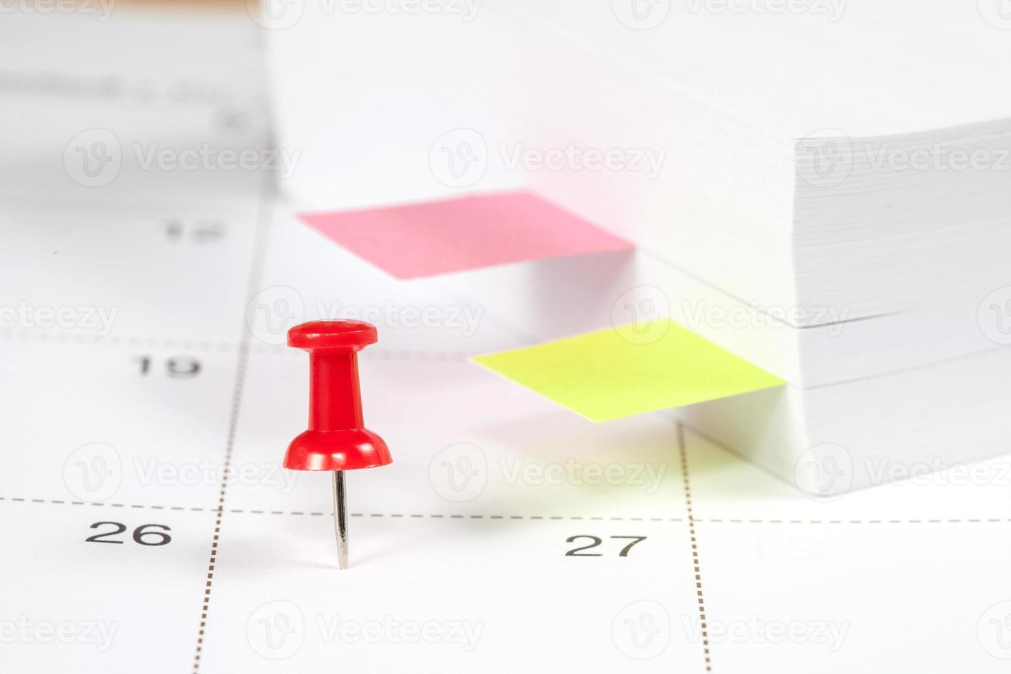 pin op wit kalender close-up shot foto