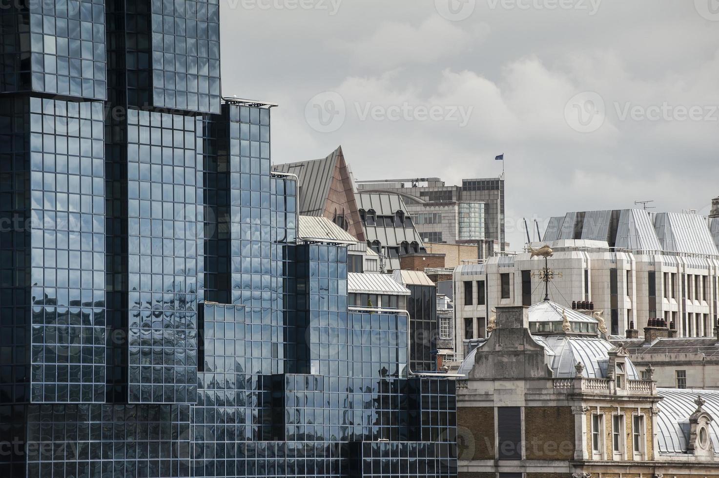 moderne en oude stijl huizen in Londen foto