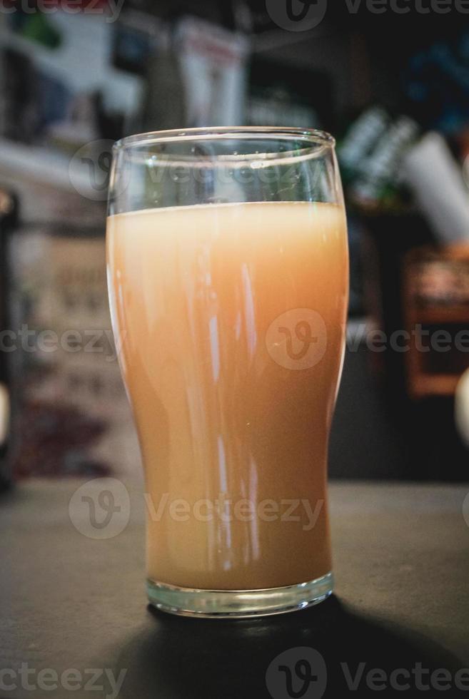bierwort in een pintglas foto