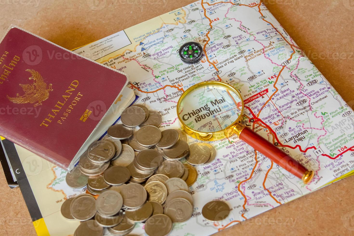 paspoort naar thailand reizen thailand geniet van het besparen van geld. foto