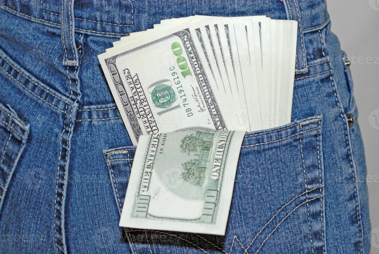 bankbiljetten in een zak foto