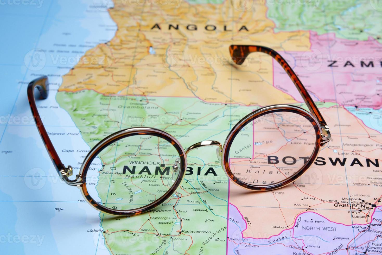 bril op een kaart - windhoek foto