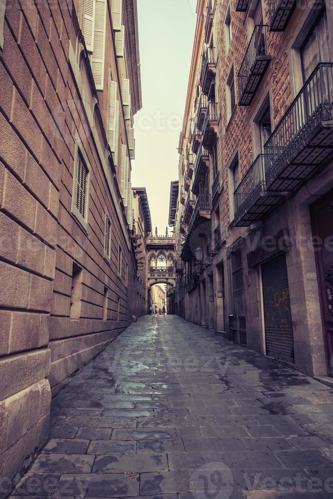 oude straat in barcelona. Catalonië, Spanje. foto