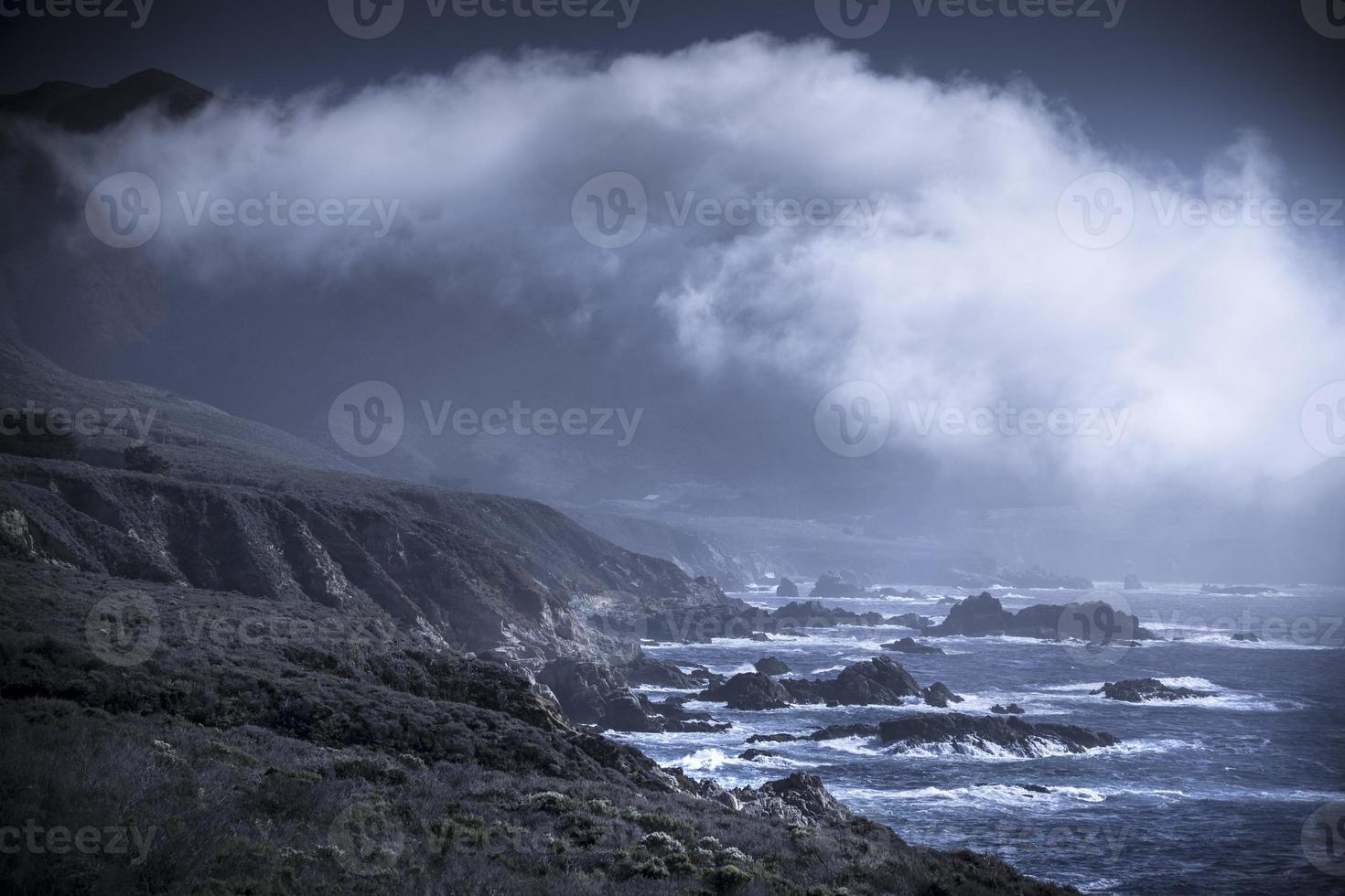 VS, Californië, Big Sur, kust en zee foto