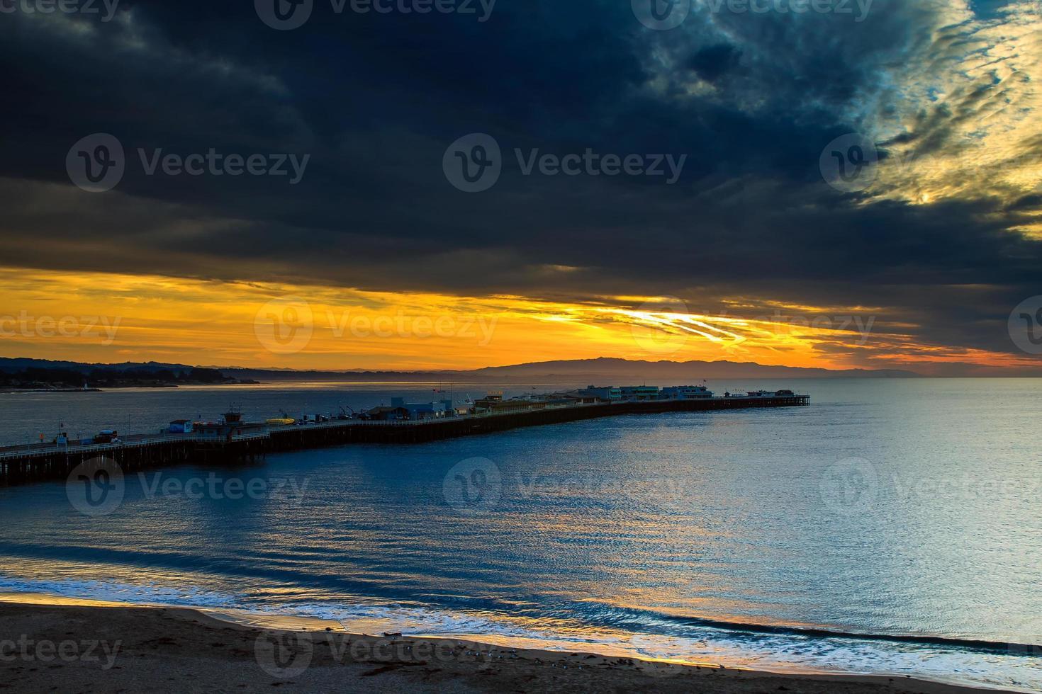 santa cruz zonsopgang op de visserswerf foto
