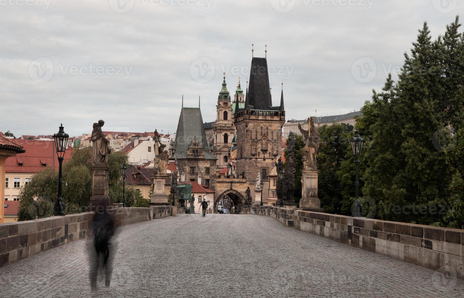 historische Charles-brug in Praag, Tsjechische Republiek foto