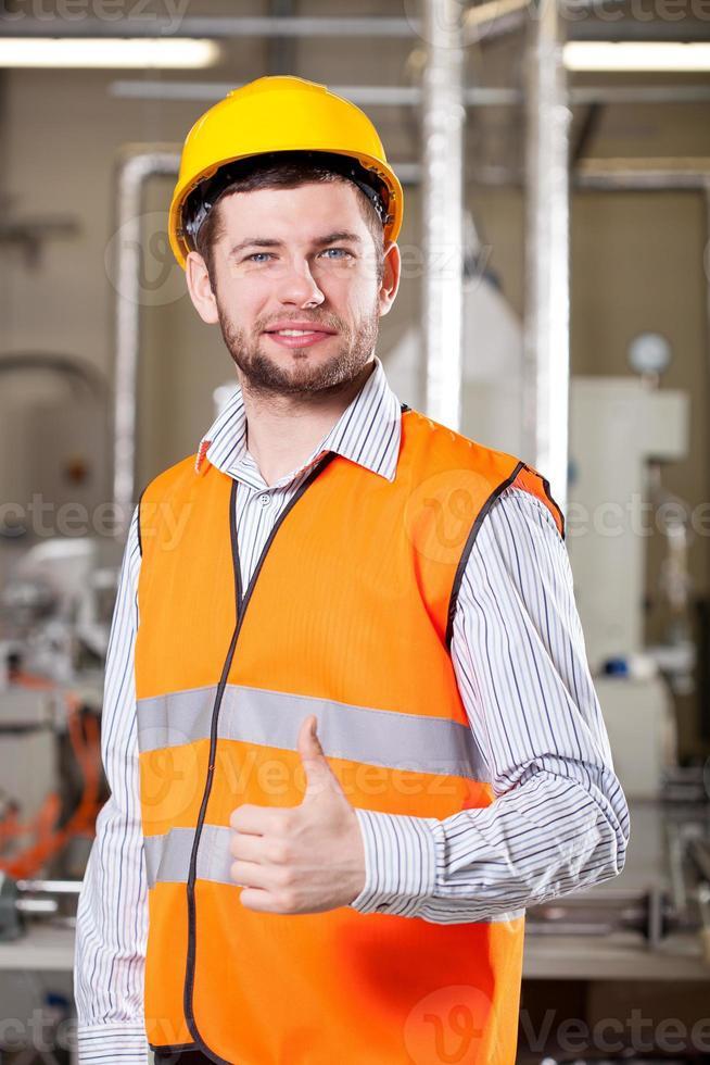 werknemer in magazijn foto