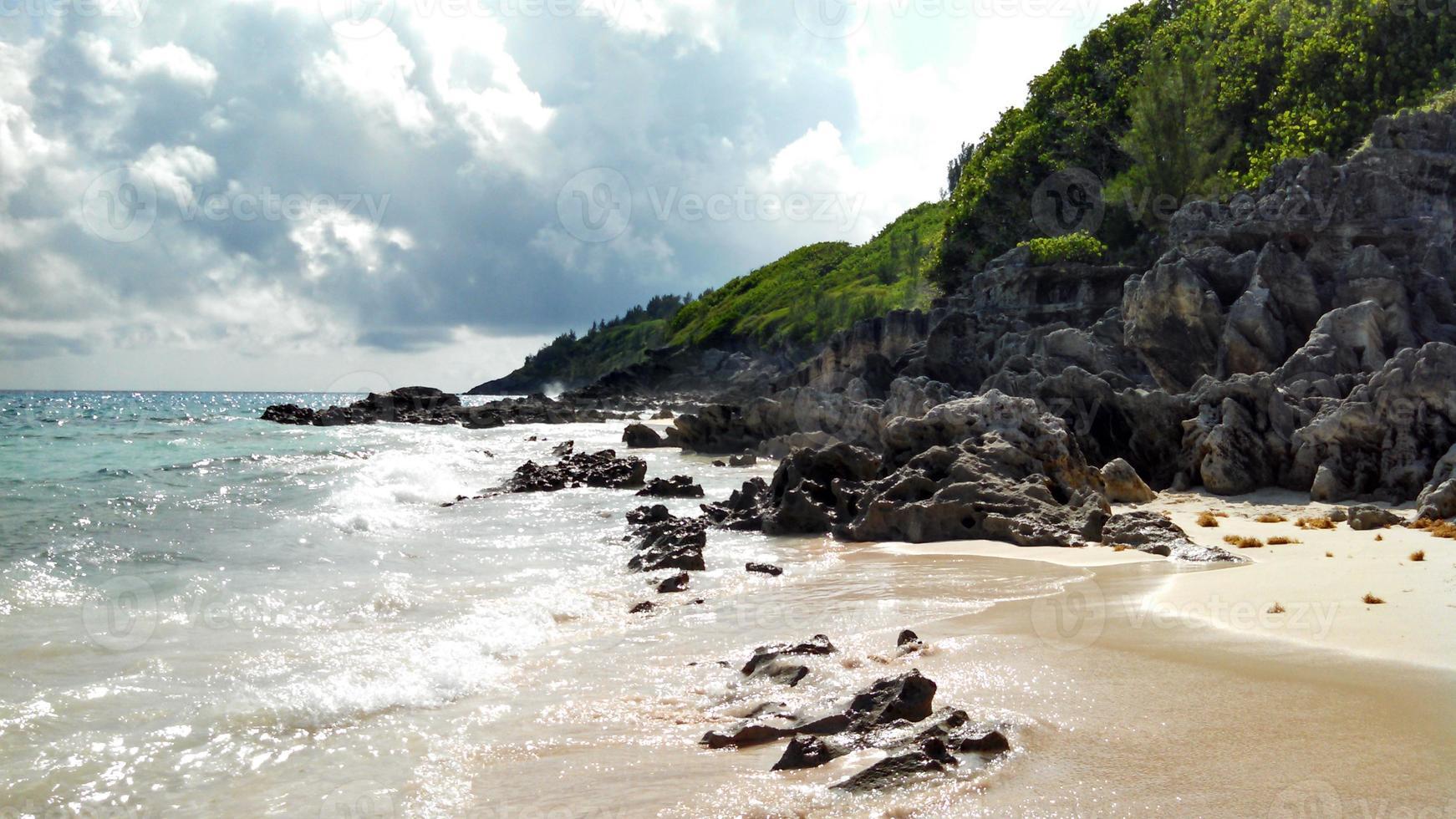 Rotsachtige kust foto