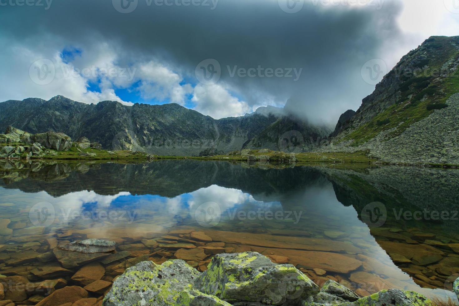 prachtig berglandschap in de Alpen foto