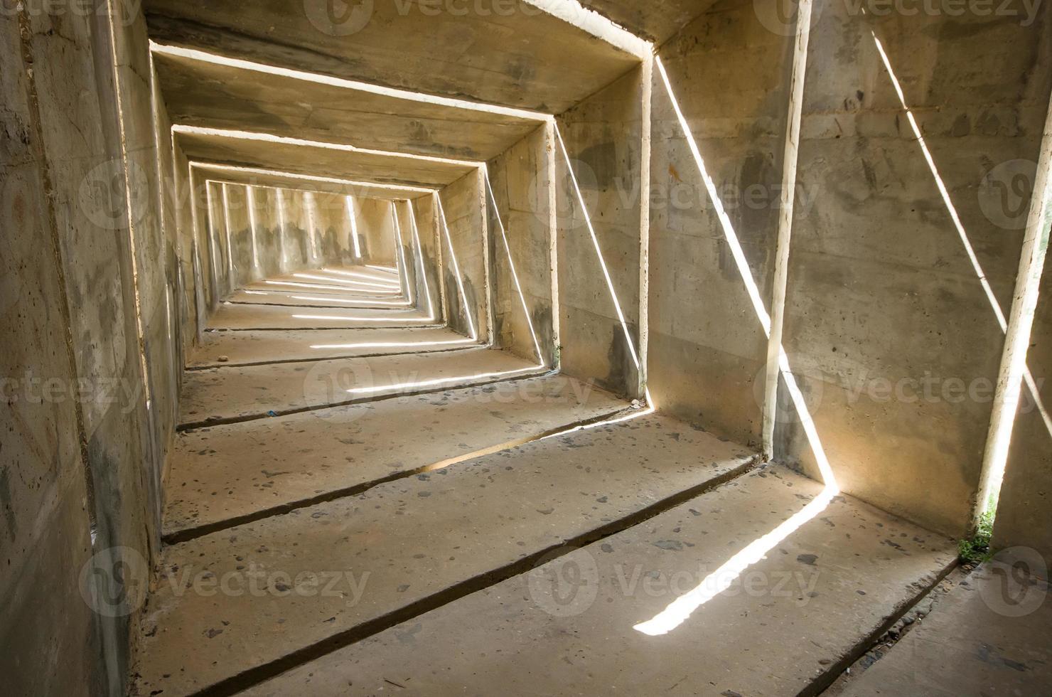 licht aan het einde van de tunnel foto
