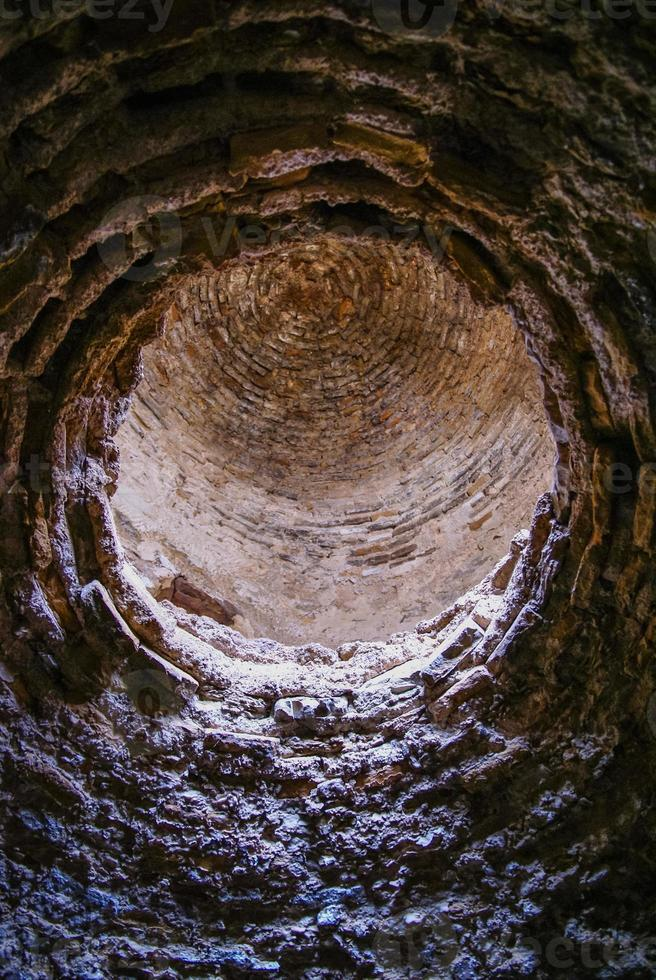 ruïnes van het kasteel in El Berueco, Andalusië, Spanje foto