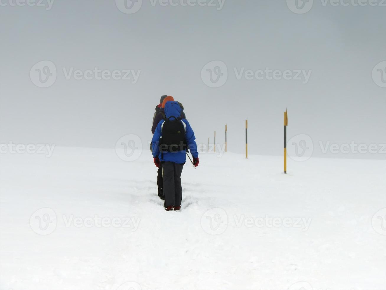 klimmers onder extreme weersomstandigheden foto