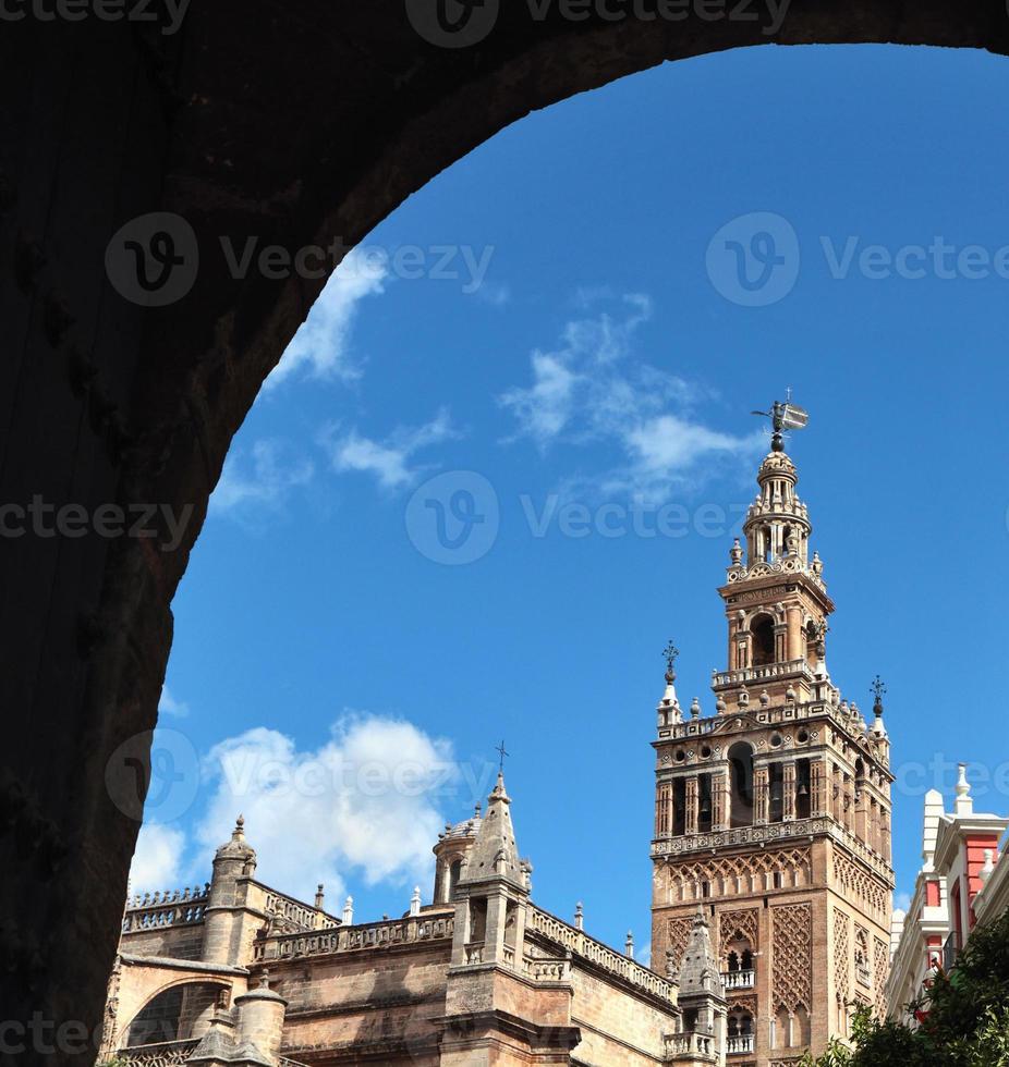 catedral en giralda, sevilla, spanje foto