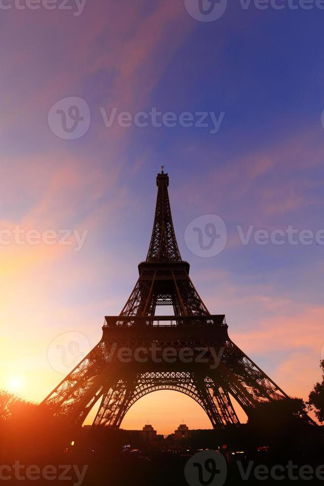 silhouet van de Eiffeltoren foto