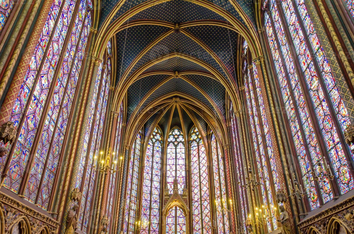 prachtig interieur van de sainte kapel foto