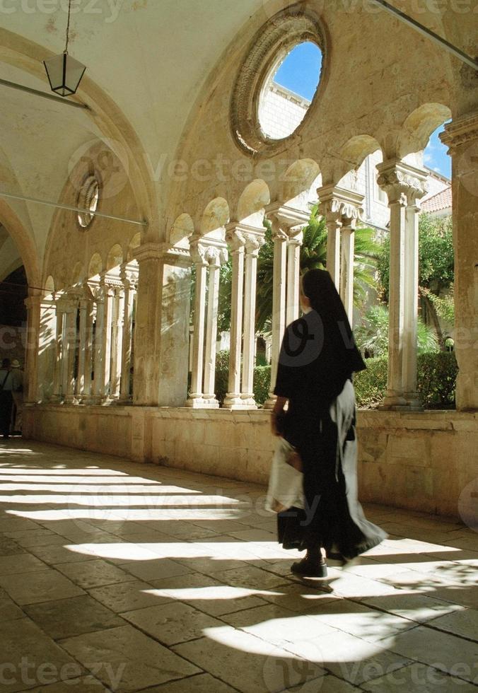 non, franciscaner klooster, dubrovnik, kroatië foto