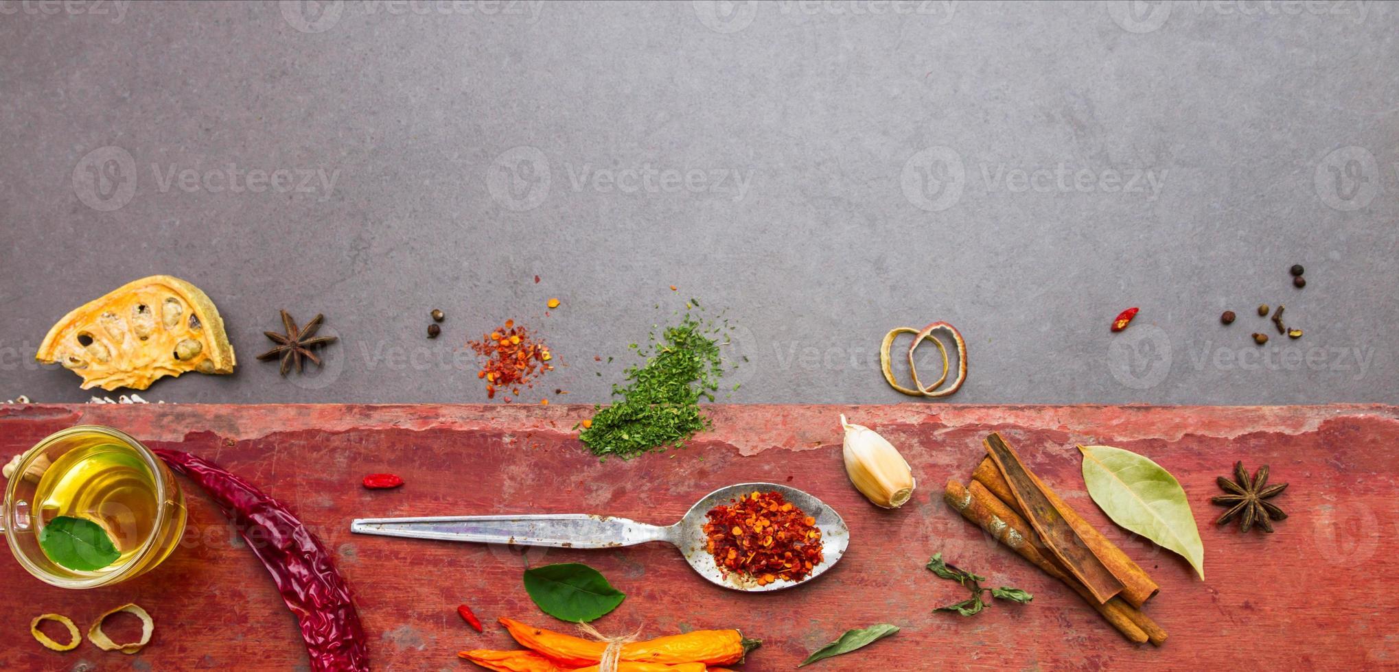 mix kruiden en kruiden achtergrond. foto