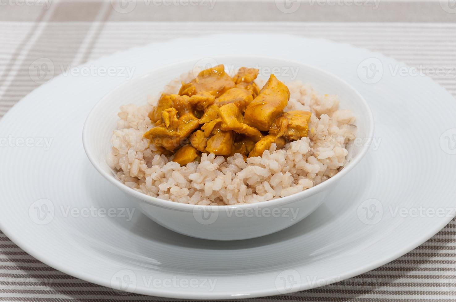 rijst met kipcurry foto