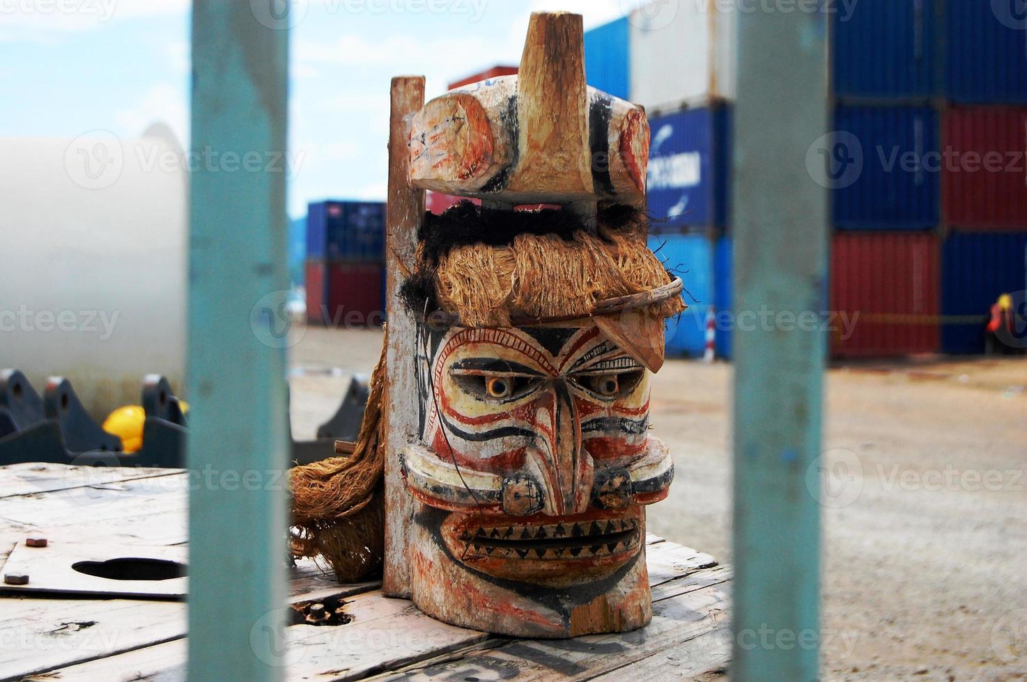 houten masker foto