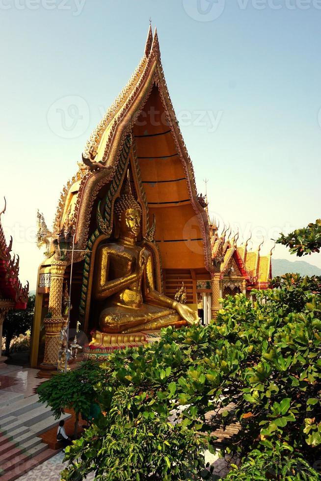 reizen op wat tham sua in thailand foto